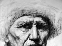老年人正面素描头像作品