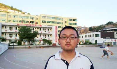 """陕西理科考生袁李:""""在战争中学习战争"""""""