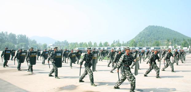 中央美术学院军训方队表演
