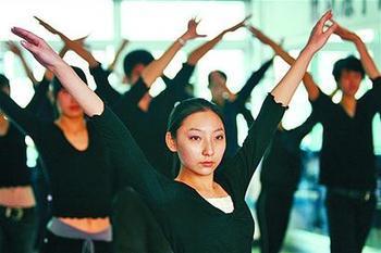 2014年艺考文化再度提高 校考学校减少
