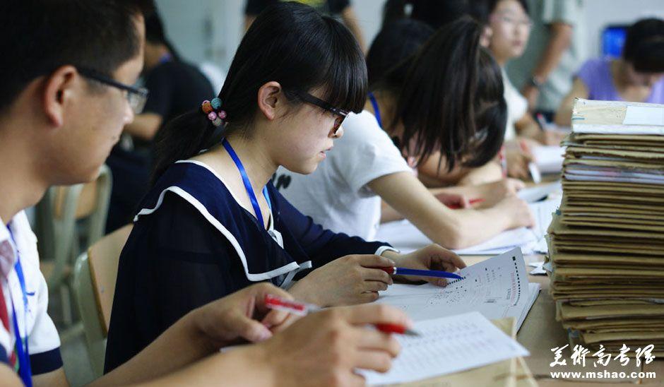 甘肃2014年高考报名时间:2013年12月1日至7日