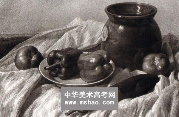 素描 静物/素描静物/瓷罐子番茄长茄子放有青椒的盘子作品欣赏