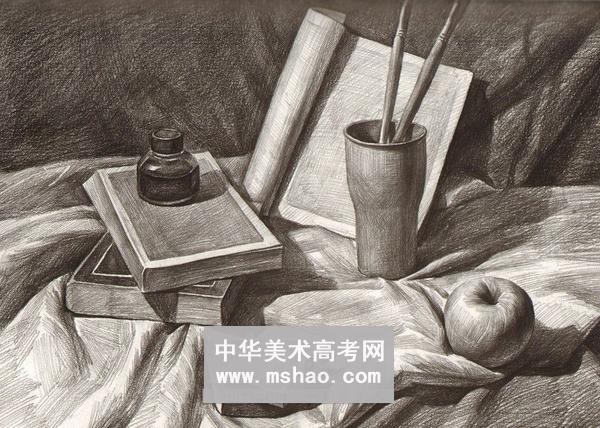筒笔画水果-素描静物 画笔笔筒苹果课本墨水瓶作品欣赏
