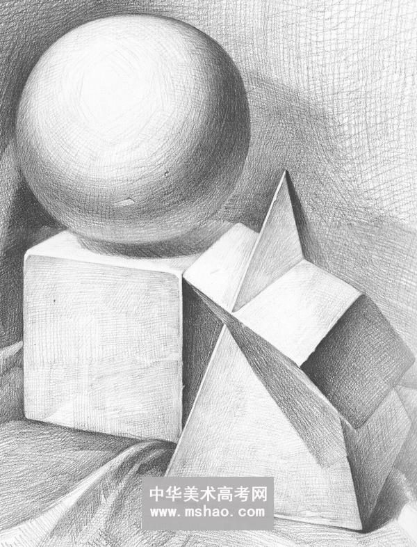 素描几何形体-球体立方体圆柱体六棱椎体组合作品